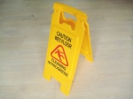 wet floor sign, cleaning sign, safety cleanning sign auckland, cleaning supplies auckland